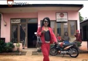 Indonesia_Old_Transgender_web_140823_672
