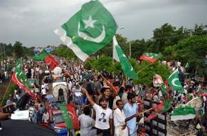 Pakistan_anti_govt_protest_AFP_650