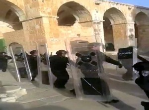 Palestinians clash