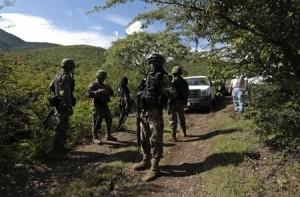 2014-10-05T002206Z_1_LYNXNPEA94006_RTROPTP_2_MEXICO-VIOLENCE