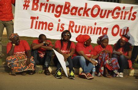 2014-10-14T204251Z_1007000001_LYNXNPEA9D107_RTROPTP_2_CNEWS-US-NIGERIA-GIRLS