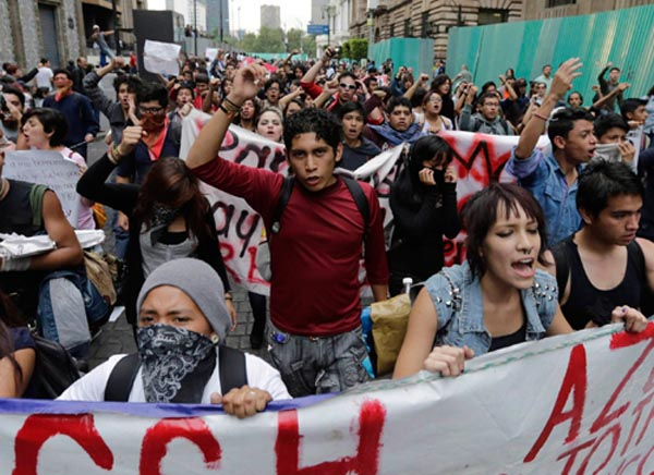 273037-mexico-student-massacre-protests-02-reuters copy