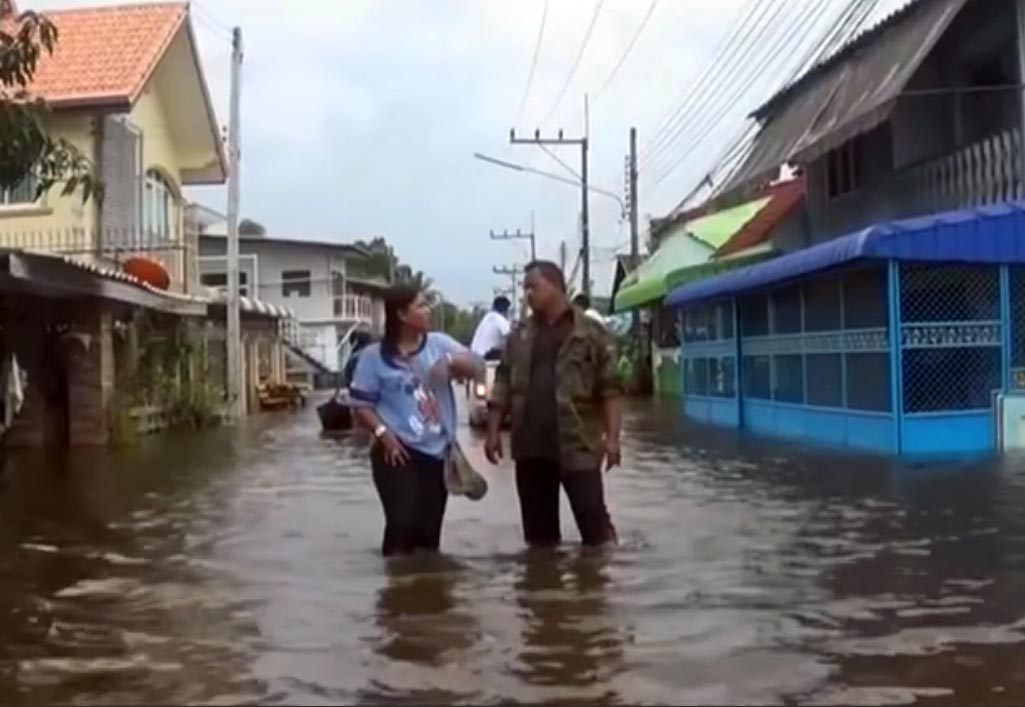 Residents in southern Thailand border provinces brace for more floods