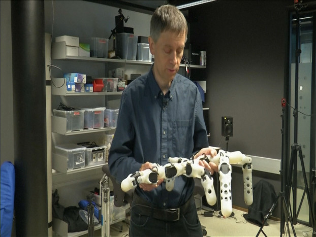 39.3D printed robots adapt themselves to their surroundings