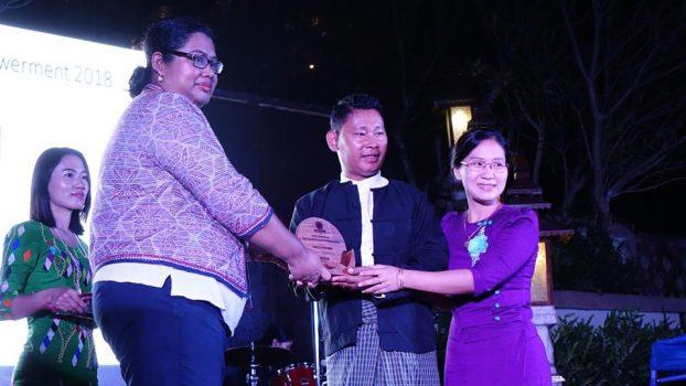 Tourism award06-Thuzar Linn