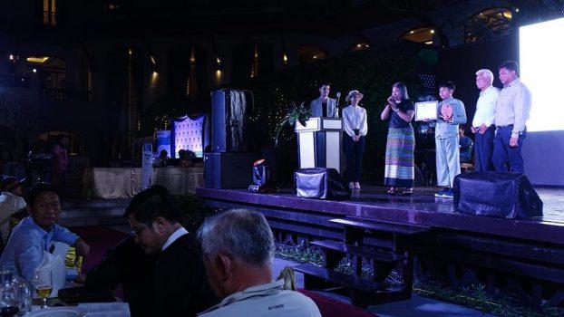 Tourism award10-Thuzar Linn