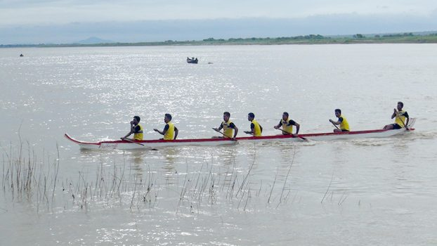 Boat Competitin at PakhoutKu 2